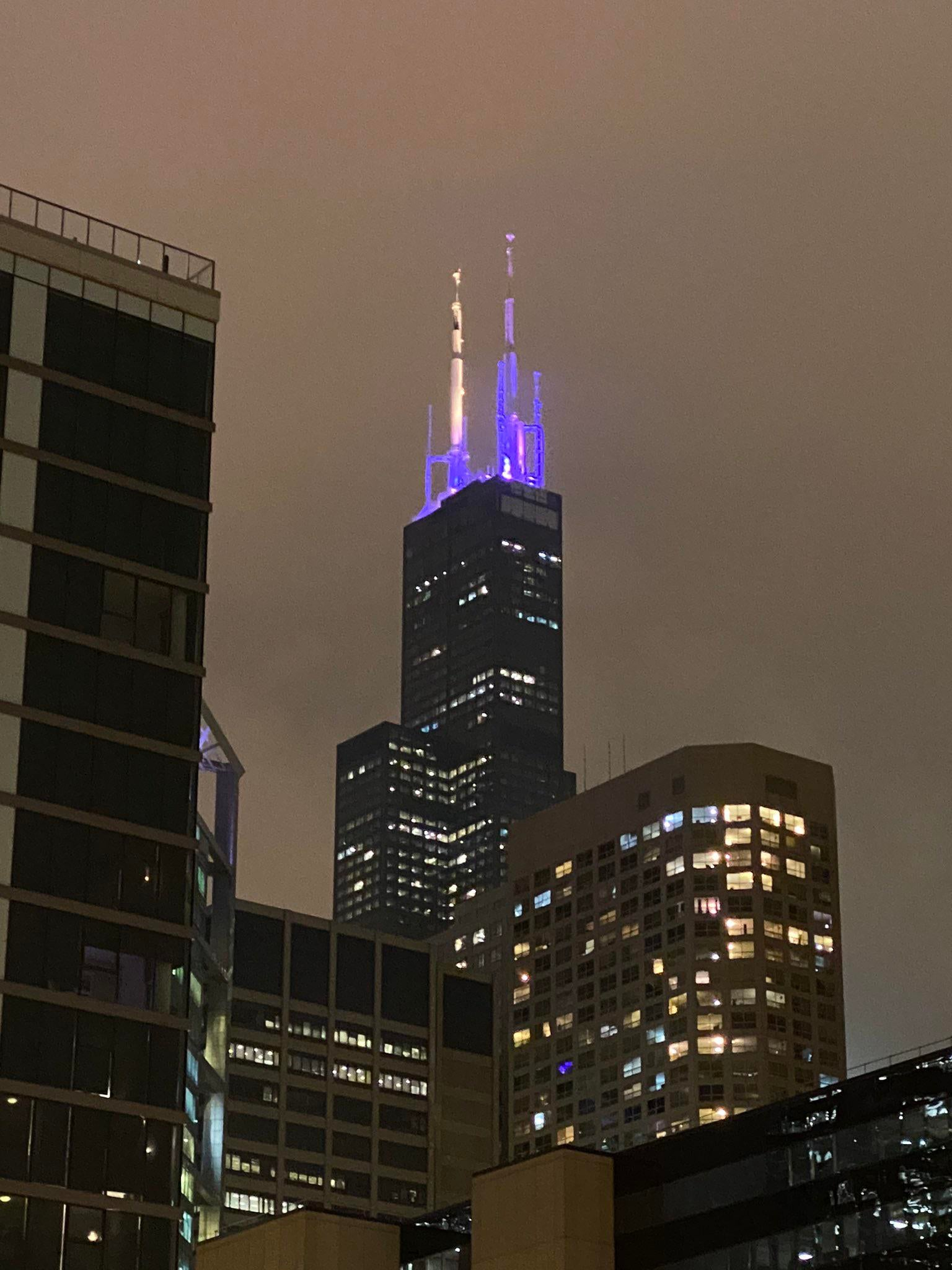 Chicago Sears Willis Tower Purple and Gold for Kobe Bryant Tribute